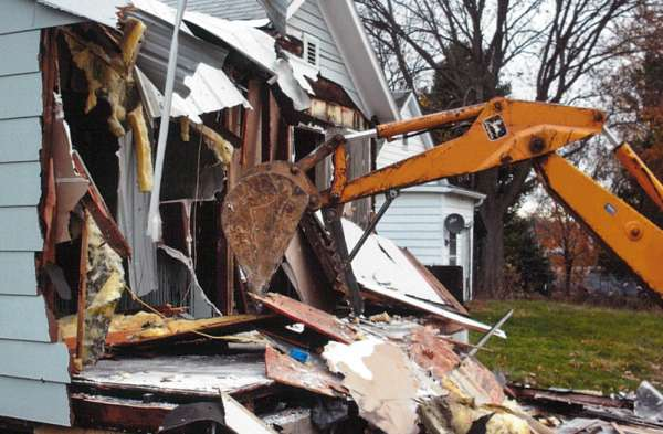 House Demolition-C_Cropped_900x525-72dpi